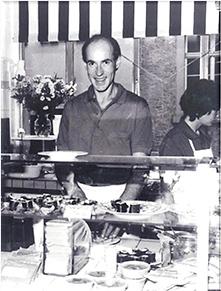 タイフーン豆腐有限会社の設立者ヴォルフガング・ヘック氏、フライブルクのマーケットホールにて